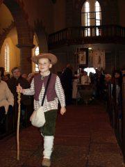 Clément Danet, âgé de 6 ans et demi, – dont le papa est boucher – à l'image de l'histoire du P. Deshayes– a ouvert la célébration en interprétant le rôle de Gabriel Deshayes, enfant.