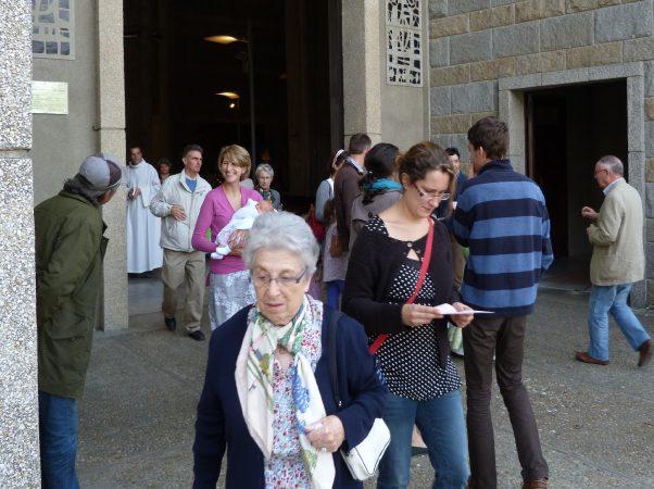 L'Eglise présente en un lieu donné