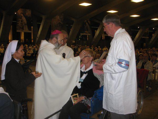 Le Christ rejoint les malades