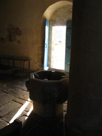 Bénitier de l'église de Calan