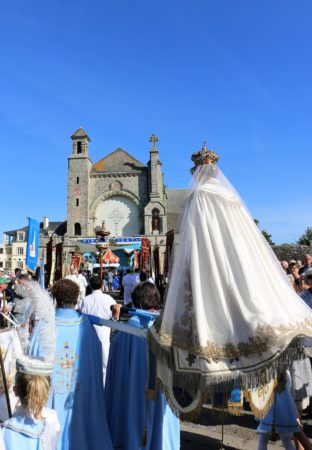 ND Roncier 2018-procession-arrivee2