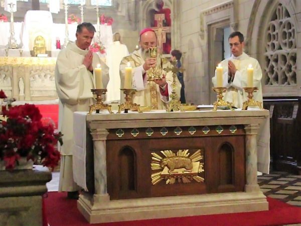 Eucharistie bis autel Roncier 5 mai 19