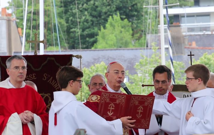 Messe SVF - Benediction finale Cardinal