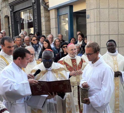 Benediction-de-la-Maison-du-Pelerin-5-roncier-2019