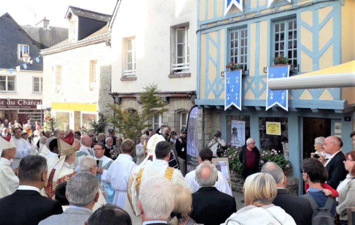 Benediction-de-la-Maison-du-Pelerin-roncier-2019