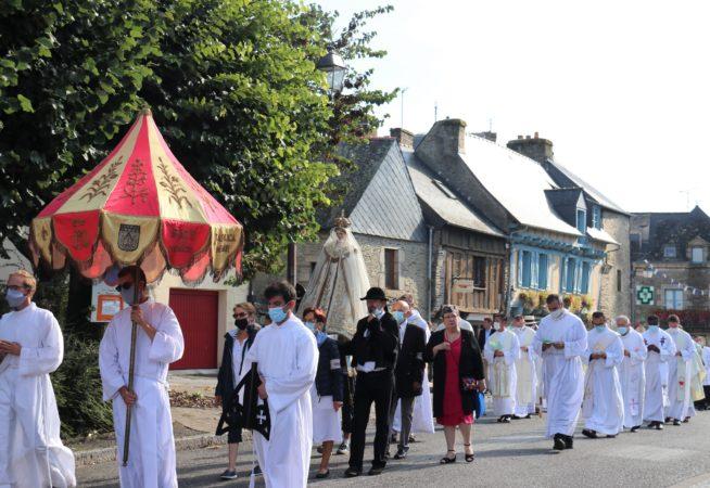 ND-Roncier-2021-procession-matin-9