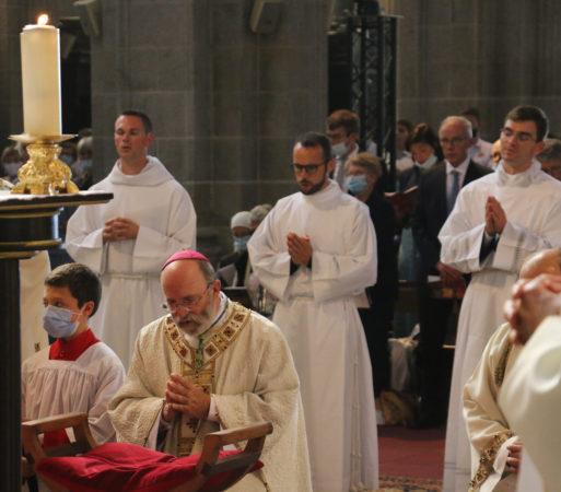 Ordinations-diaconales-5-sept-2021-mgr-et-ordinands