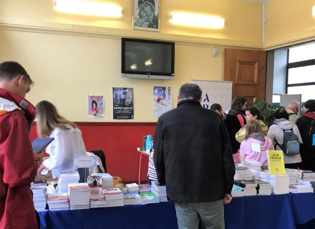Congres-mission-stand-livres