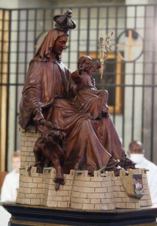 ND-Victoire-sanctuaire-marial-statue